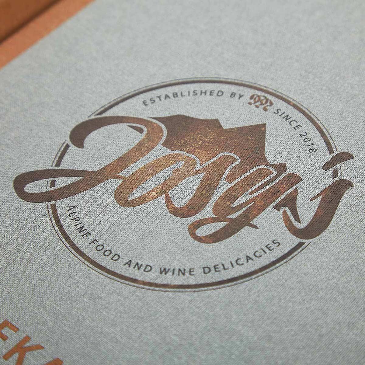 Speisekarten kaufen Gastrotopcard Logo Metallicprägung